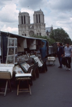 Seine-side kiosks on the walk to Notre Dame. (Allan Lynch Photo)